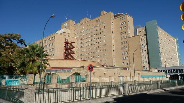 El Ayuntamiento reorganiza el acceso a Urgencias del Miguel Servet y aproxima la parada de taxis